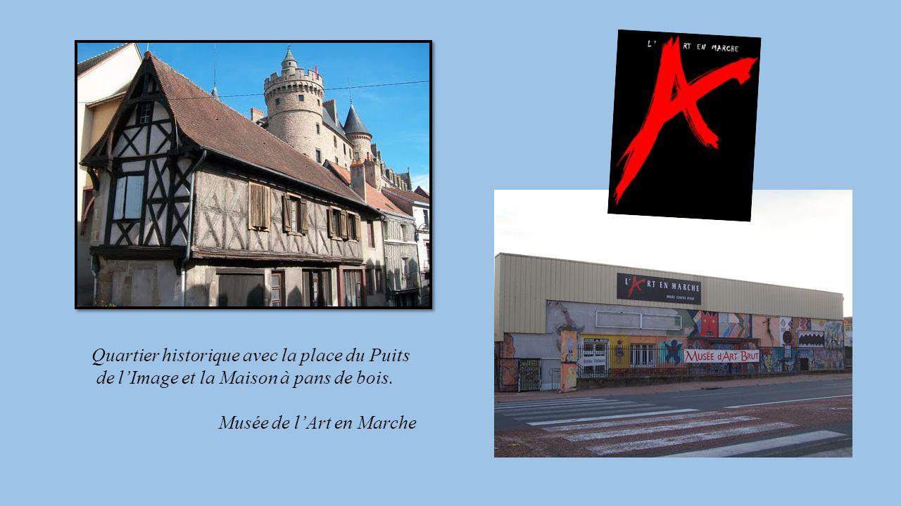Quartier historique avec la place du Puits