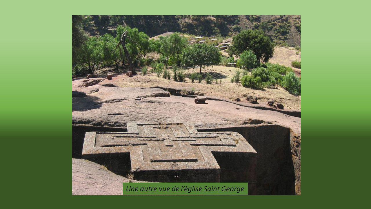 Une autre vue de l'église Saint George