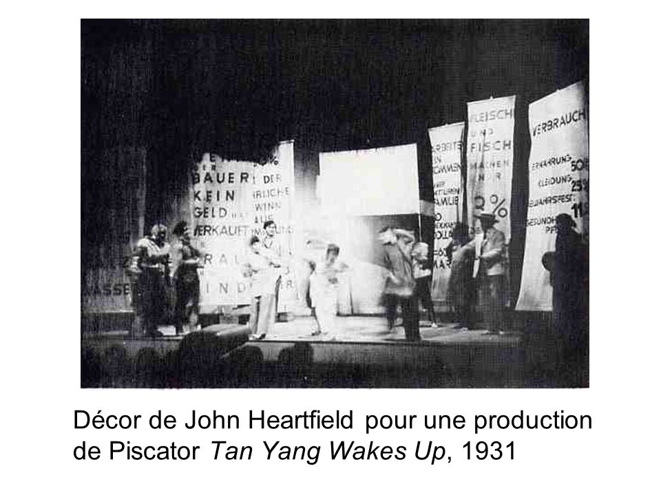 Décor de John Heartfield pour une production de Piscator Tan Yang Wakes Up, 1931