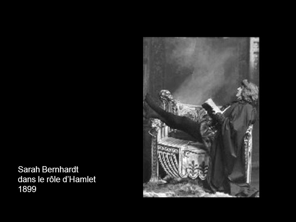 Sarah Bernhardt dans le rôle d'Hamlet 1899