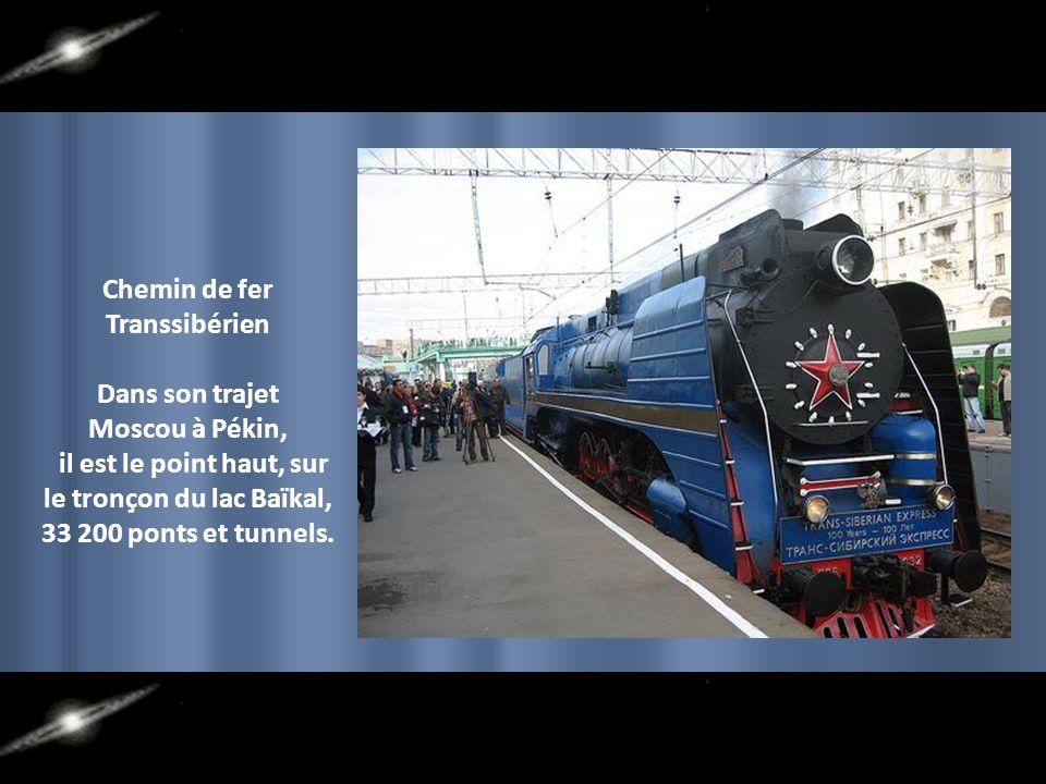 Chemin de fer Transsibérien le tronçon du lac Baïkal,