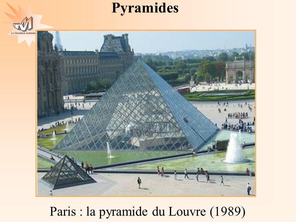Pyramides Paris : la pyramide du Louvre (1989)