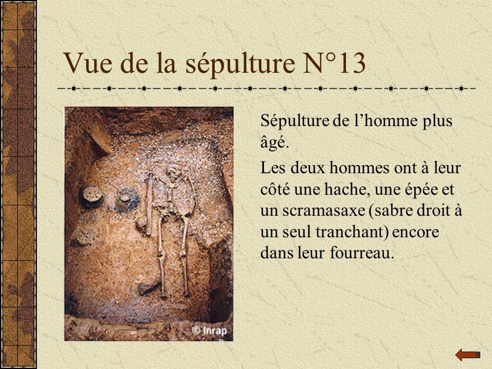 Vue de la sépulture N°13 Sépulture de l'homme plus âgé.