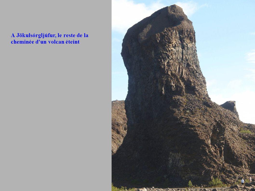 A Jökulsórgljúfur, le reste de la cheminée d un volcan éteint