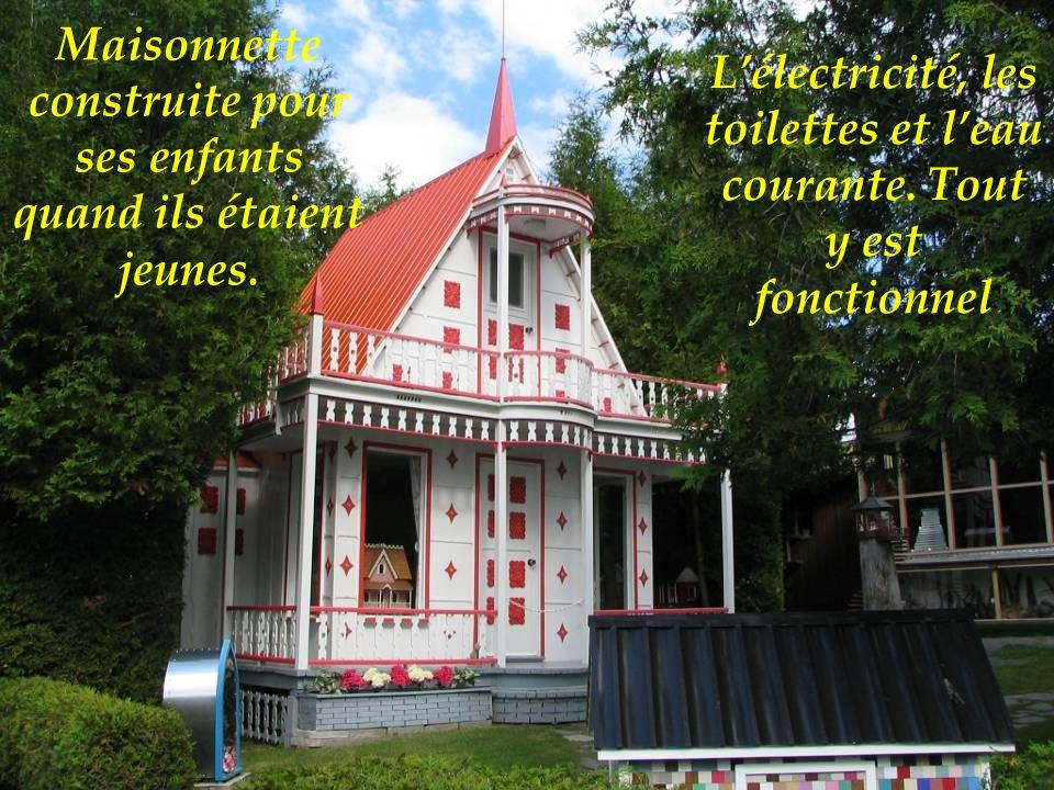 Maisonnette construite pour ses enfants quand ils étaient jeunes.