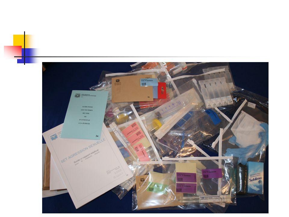 Dans ce set , on trouve des écouvillons en grand nombre, un spéculum assorti du matériel nécessaire pour faire un lavage vaginal et anal, des tubes de prélèvements sanguins, des sachets en papier. Vu le risque de contamination, ces prélèvements doivent être réalisés avec des gants, un masque