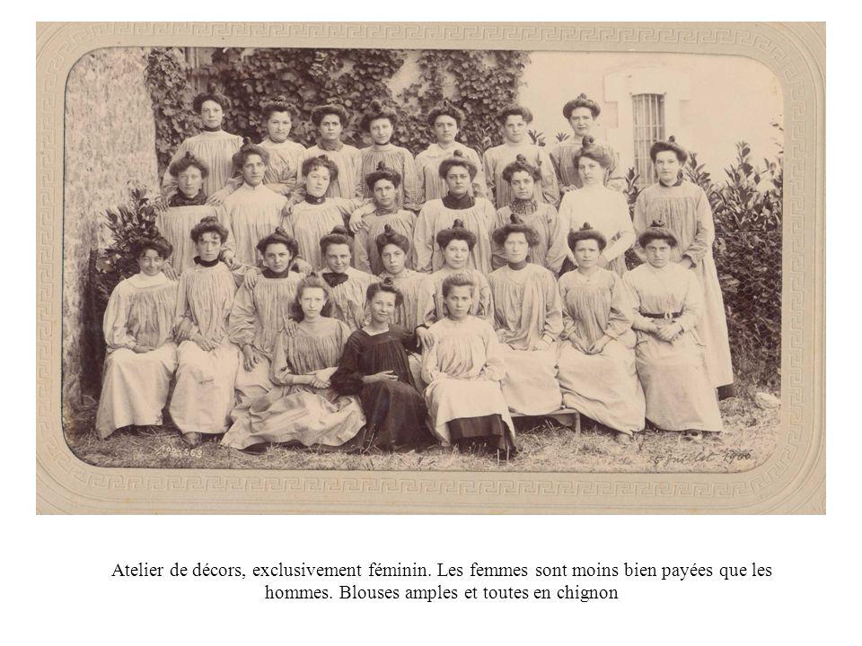 Atelier de décors, exclusivement féminin