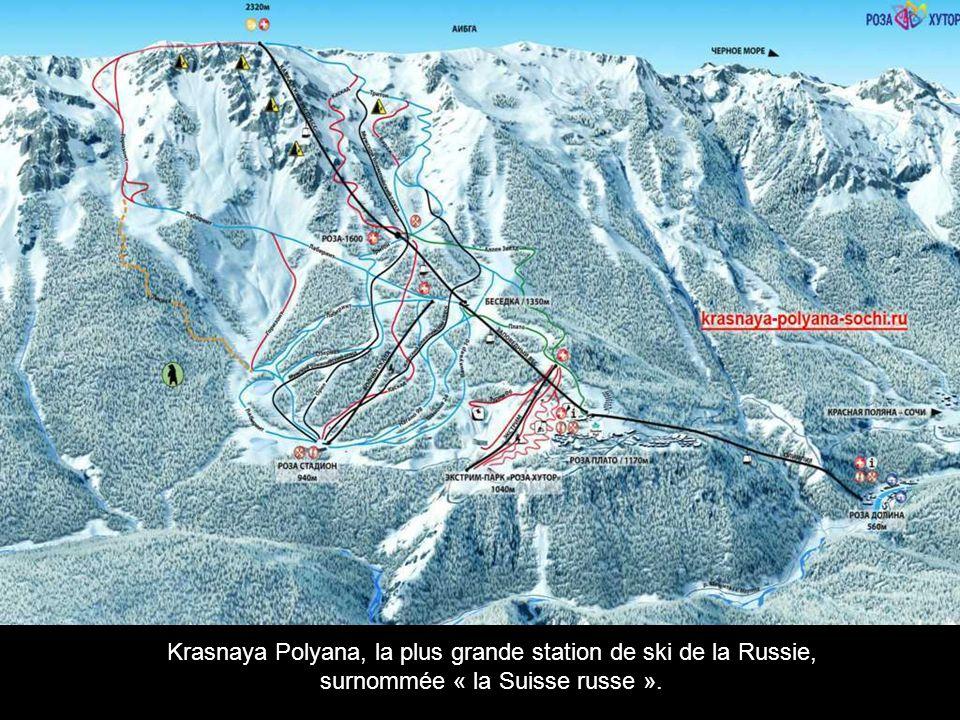 Krasnaya Polyana, la plus grande station de ski de la Russie, surnommée « la Suisse russe ».