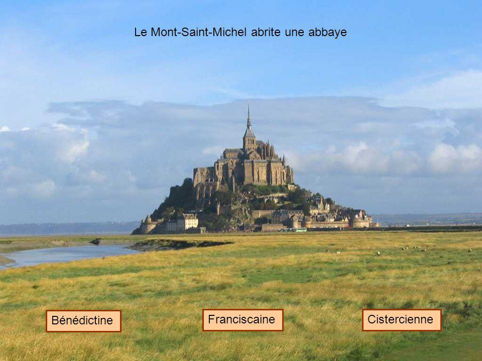 Le Mont-Saint-Michel abrite une abbaye