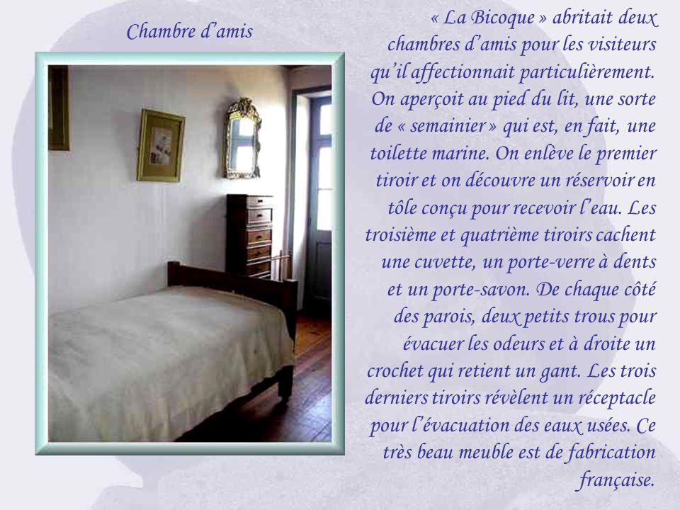 « La Bicoque » abritait deux chambres d'amis pour les visiteurs qu'il affectionnait particulièrement.