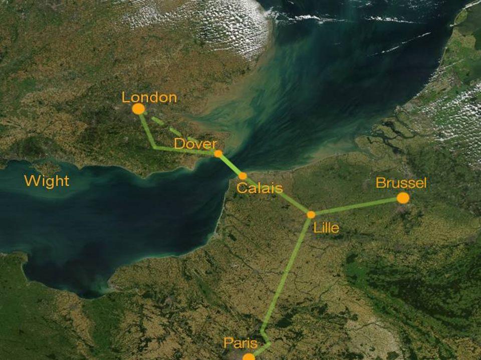 Le forage de la galerie de service a commencé en premier lieu des deux côtés de la Manche.