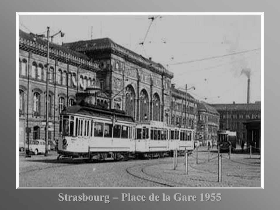 Strasbourg – Place de la Gare 1955