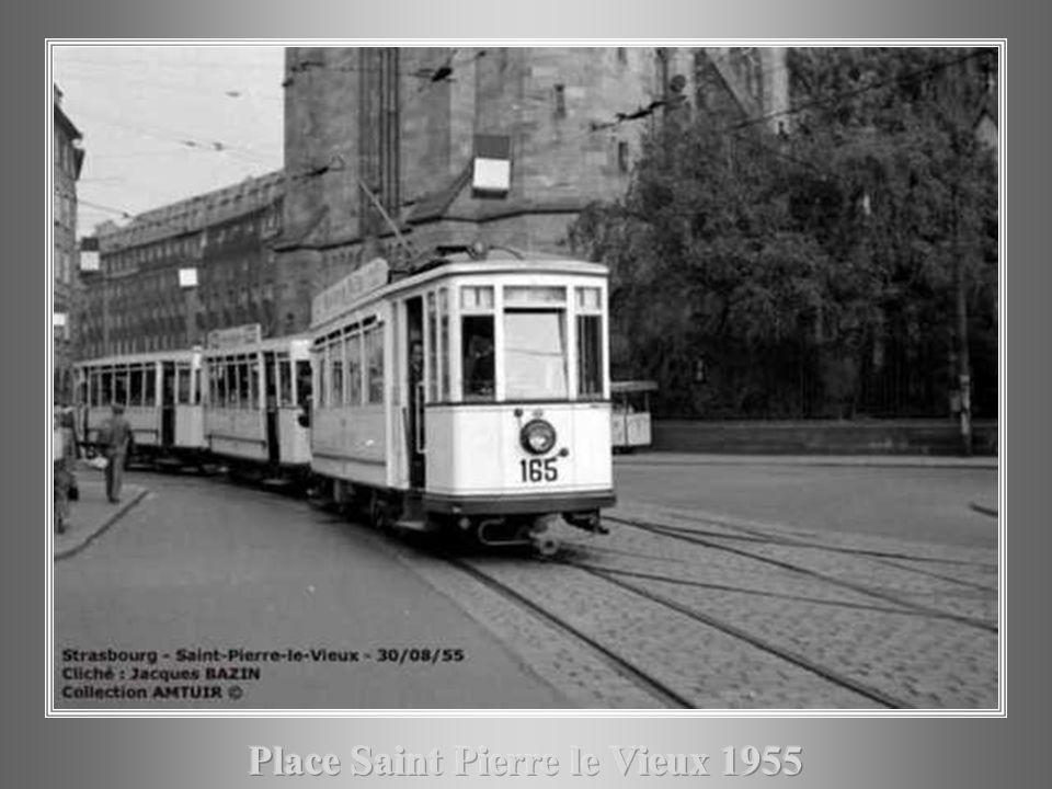 Place Saint Pierre le Vieux 1955