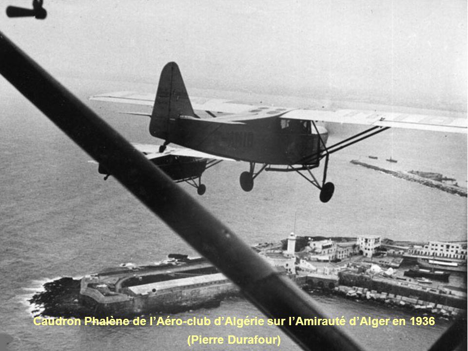 Caudron Phalène de l'Aéro-club d'Algérie sur l'Amirauté d'Alger en 1936