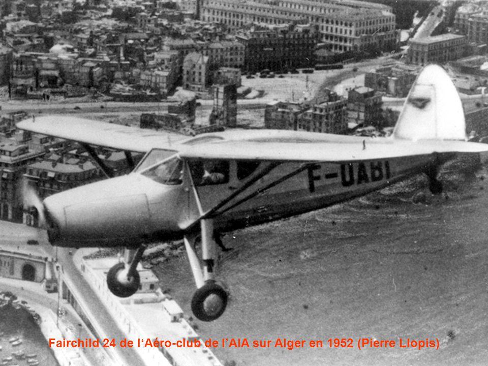 Fairchild 24 de l'Aéro-club de l'AIA sur Alger en 1952 (Pierre Llopis)