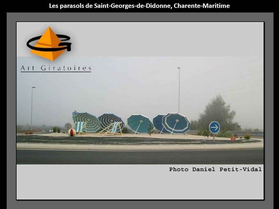 Les parasols de Saint-Georges-de-Didonne, Charente-Maritime