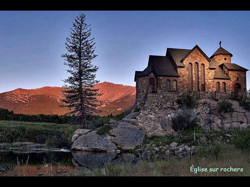 Église sur rochers
