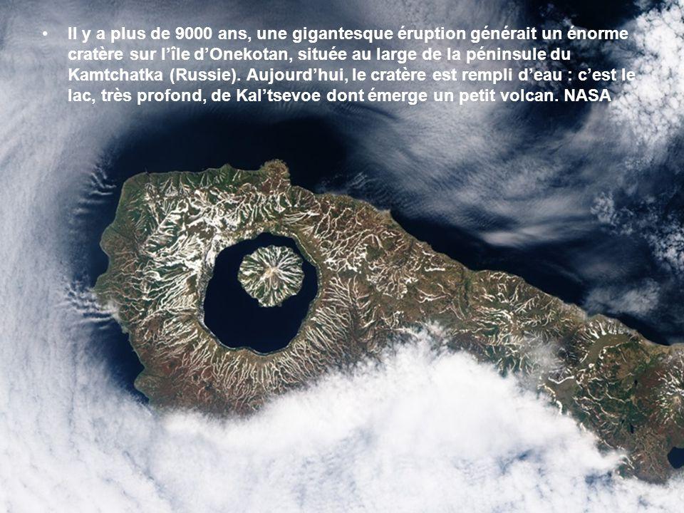 Il y a plus de 9000 ans, une gigantesque éruption générait un énorme cratère sur l'île d'Onekotan, située au large de la péninsule du Kamtchatka (Russie).