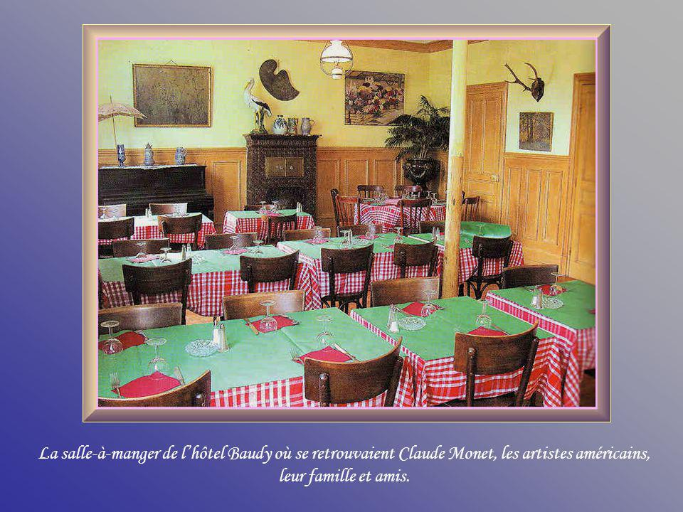 La salle-à-manger de l'hôtel Baudy où se retrouvaient Claude Monet, les artistes américains, leur famille et amis.