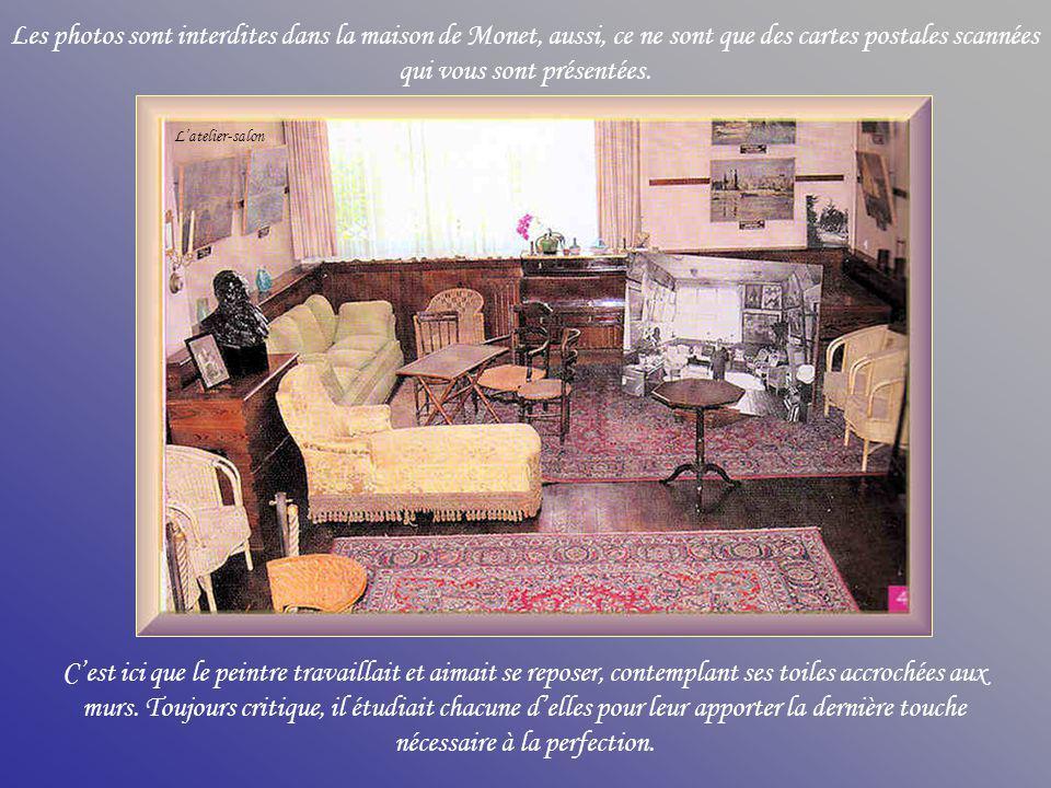 Les photos sont interdites dans la maison de Monet, aussi, ce ne sont que des cartes postales scannées qui vous sont présentées.