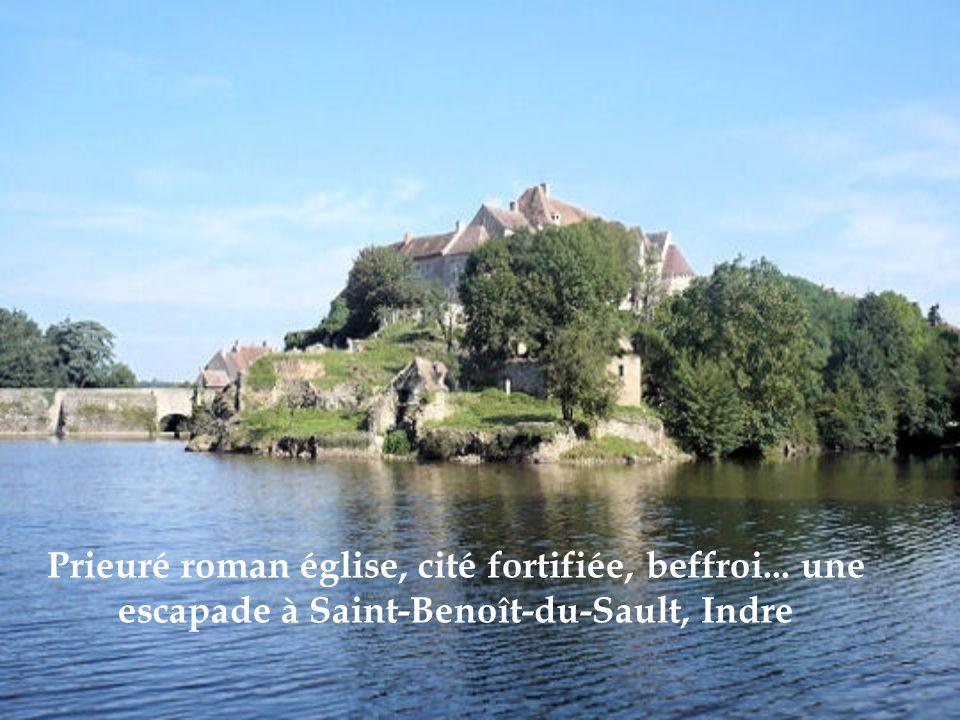 Prieuré roman église, cité fortifiée, beffroi