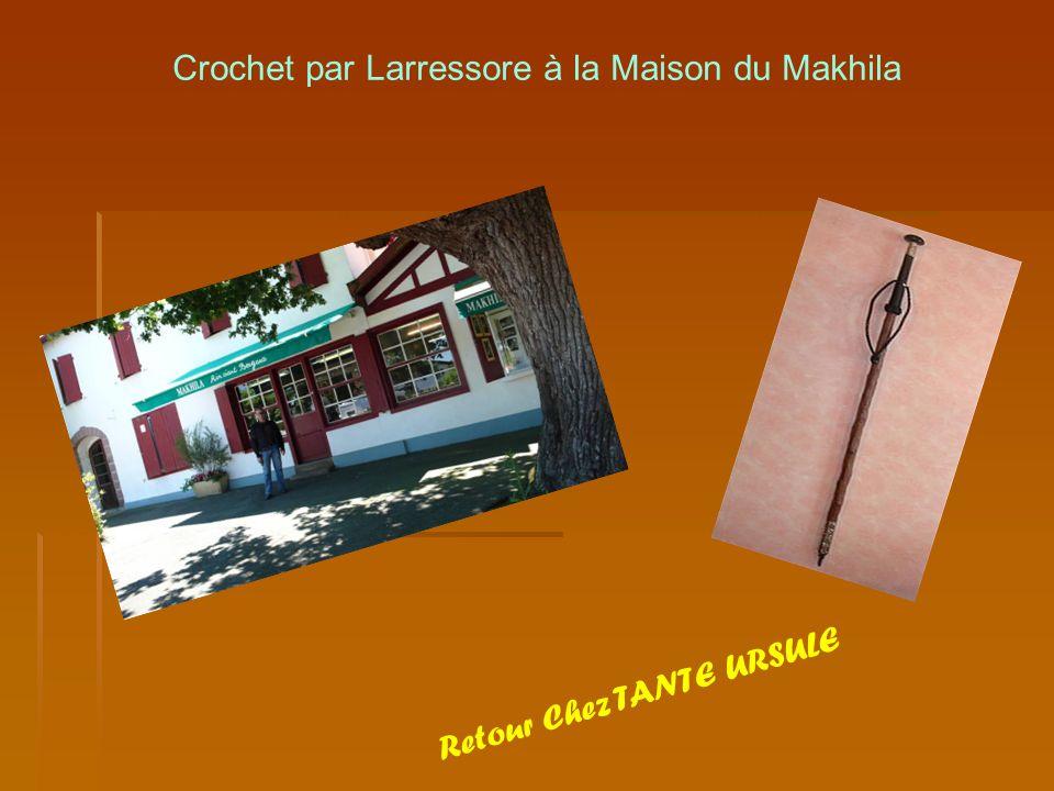 Crochet par Larressore à la Maison du Makhila