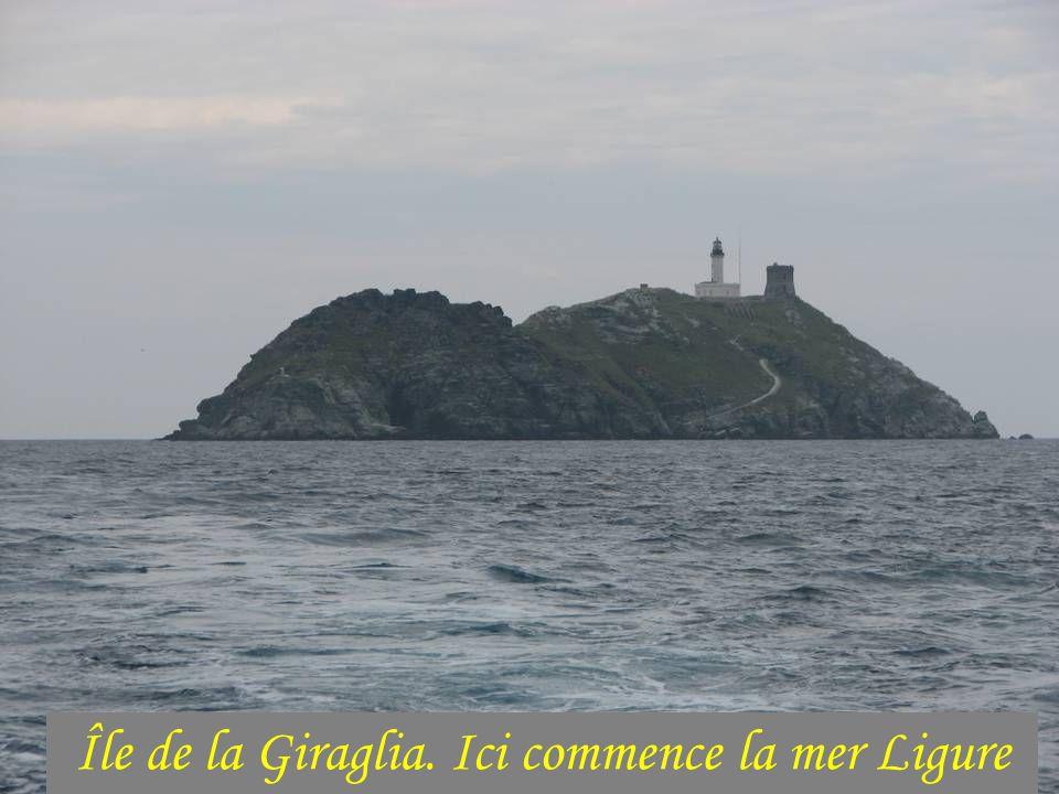 Île de la Giraglia. Ici commence la mer Ligure