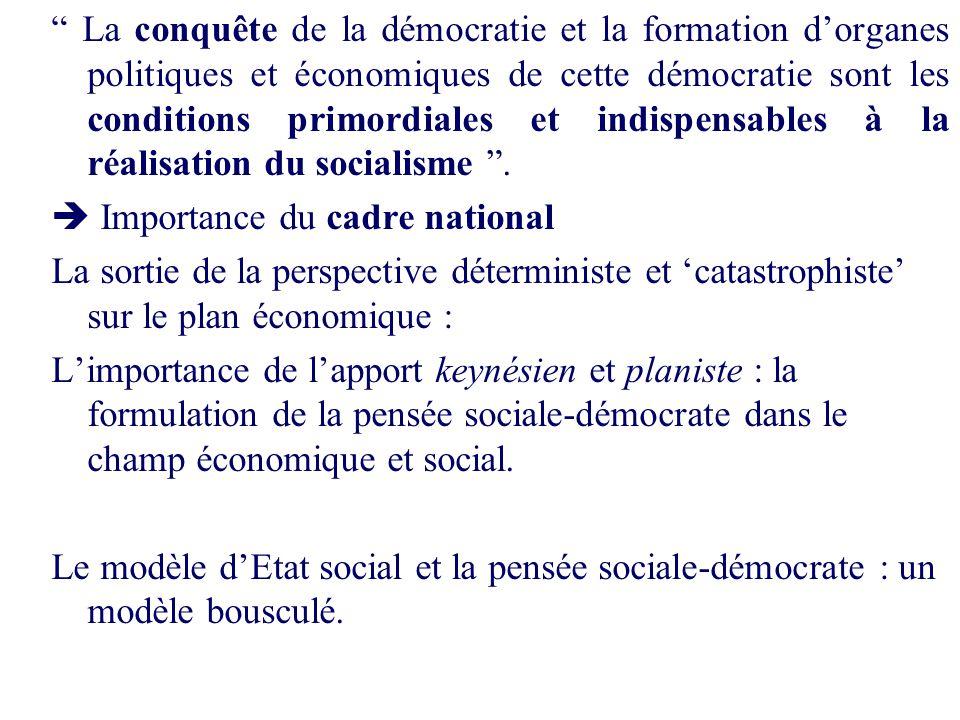 La conquête de la démocratie et la formation d'organes politiques et économiques de cette démocratie sont les conditions primordiales et indispensables à la réalisation du socialisme .