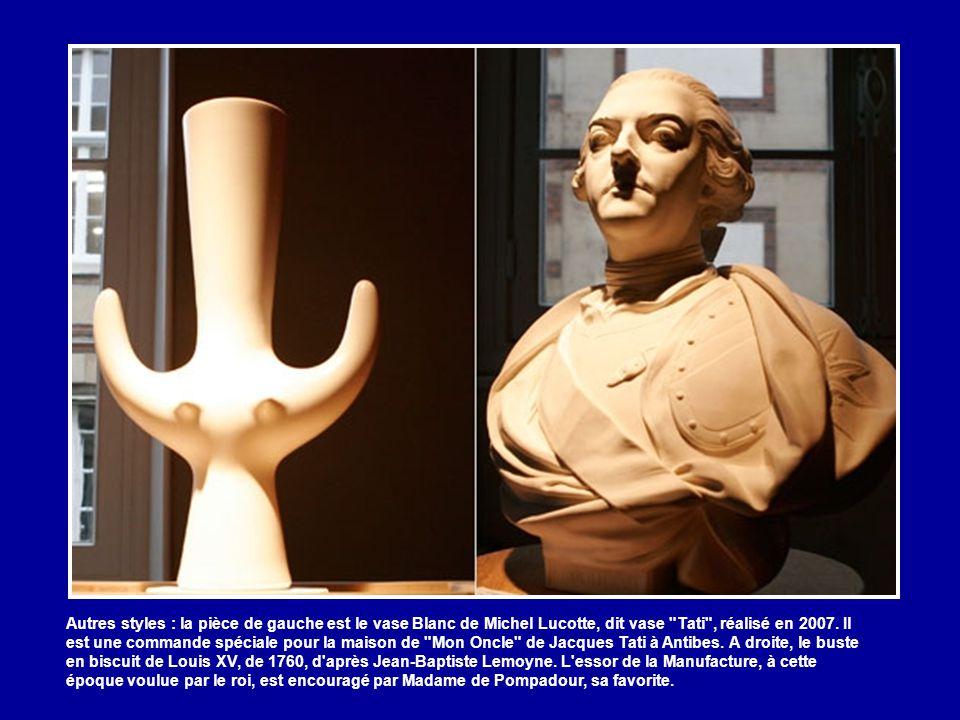 Autres styles : la pièce de gauche est le vase Blanc de Michel Lucotte, dit vase Tati , réalisé en 2007.