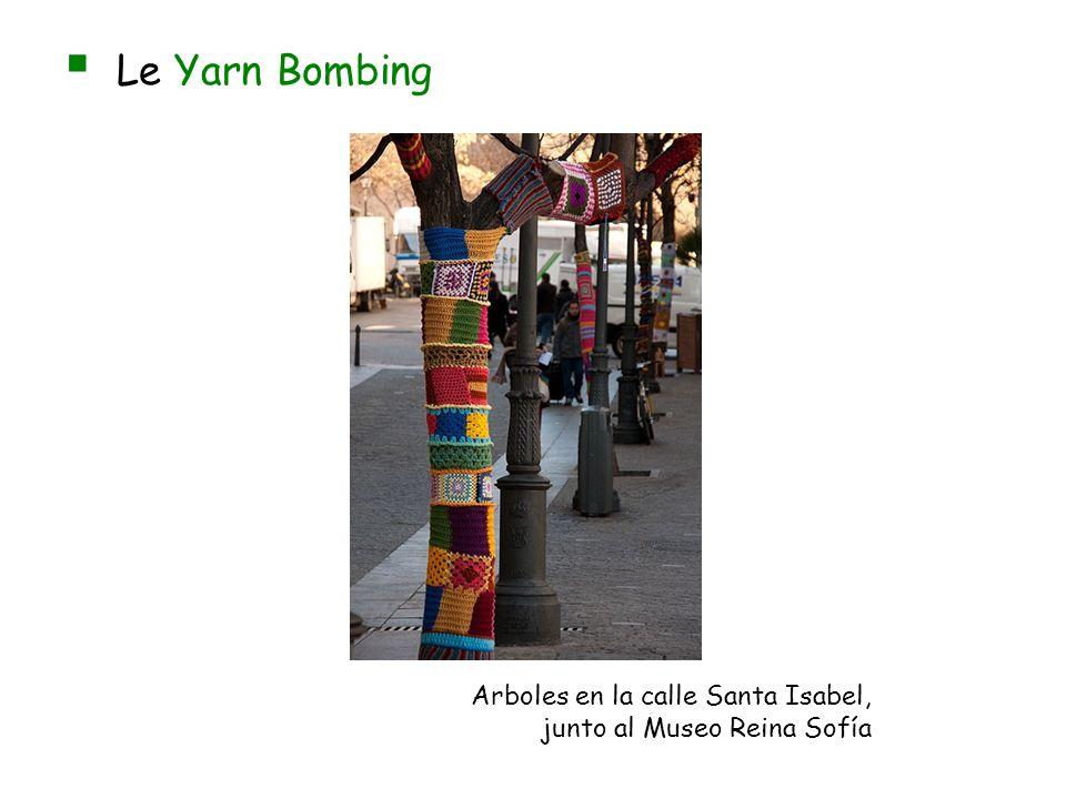 Le Yarn Bombing Arboles en la calle Santa Isabel,