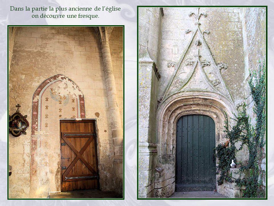 Dans la partie la plus ancienne de l'église on découvre une fresque.