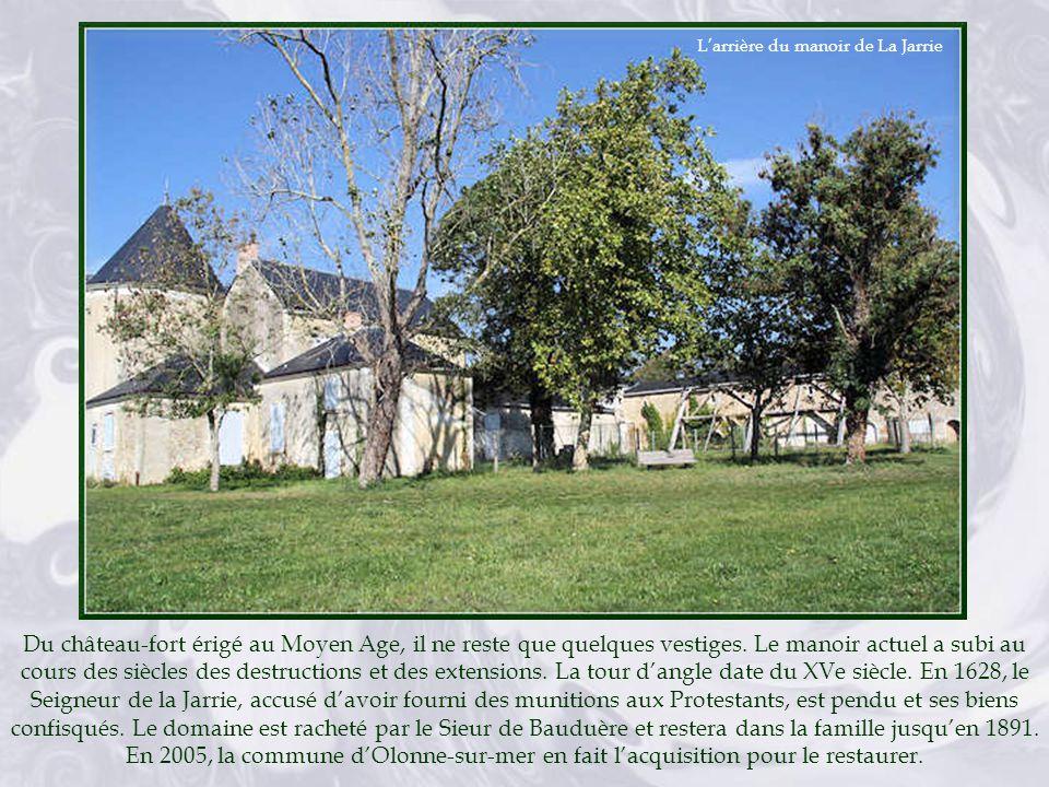 L'arrière du manoir de La Jarrie