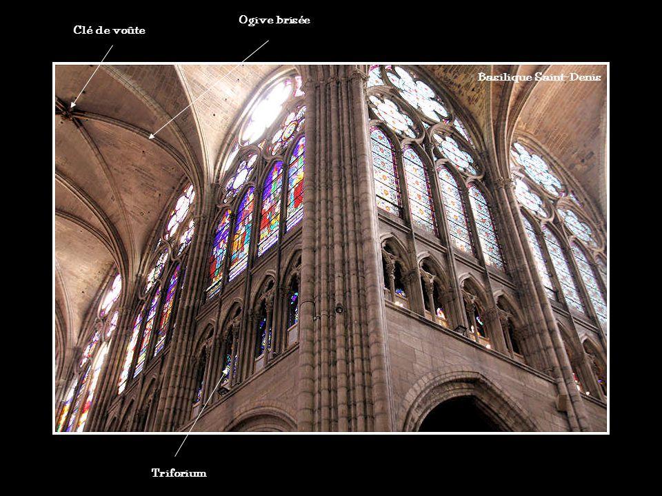 Ogive brisée Clé de voûte Basilique Saint-Denis Triforium