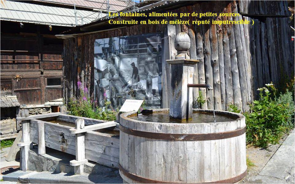 Les fontaines, alimentées par de petites sources