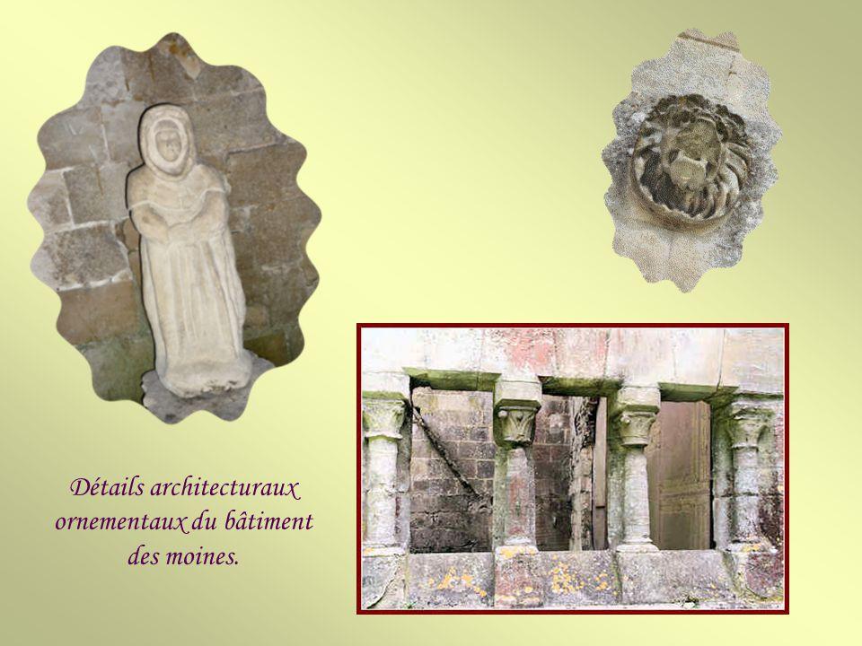 Détails architecturaux ornementaux du bâtiment des moines.
