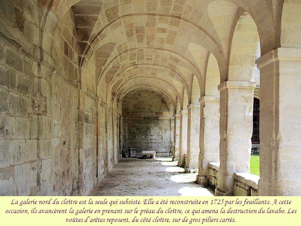 La galerie nord du cloître est la seule qui subsiste
