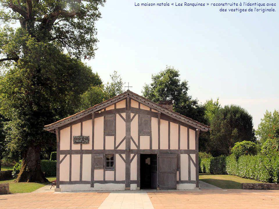 La maison natale « Les Ranquines » reconstruite à l'identique avec des vestiges de l'originale.