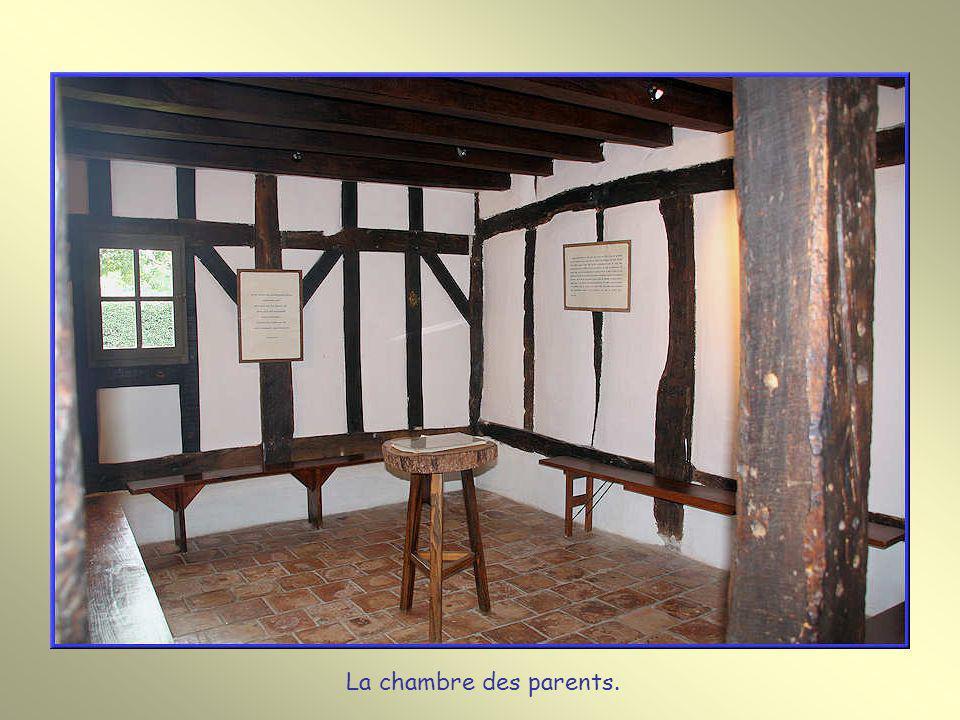 La chambre des parents.