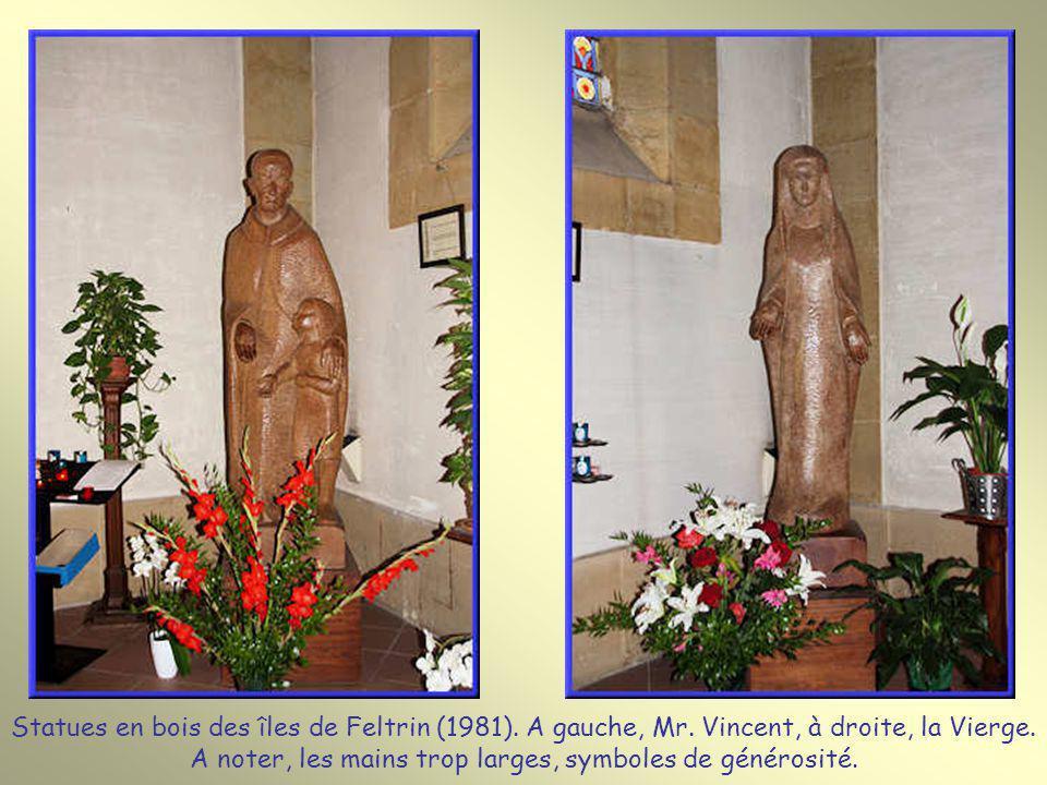 Statues en bois des îles de Feltrin (1981). A gauche, Mr
