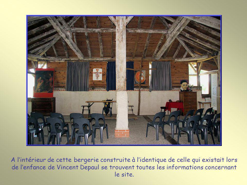 A l'intérieur de cette bergerie construite à l'identique de celle qui existait lors de l'enfance de Vincent Depaul se trouvent toutes les informations concernant le site.