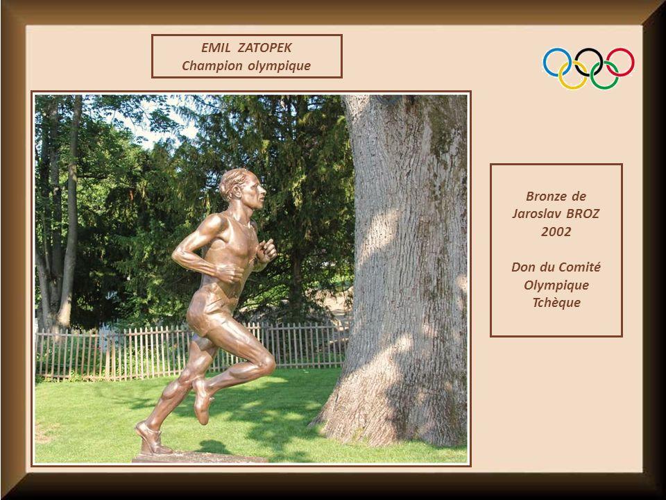 EMIL ZATOPEK Champion olympique Bronze de Jaroslav BROZ 2002 Don du Comité Olympique Tchèque