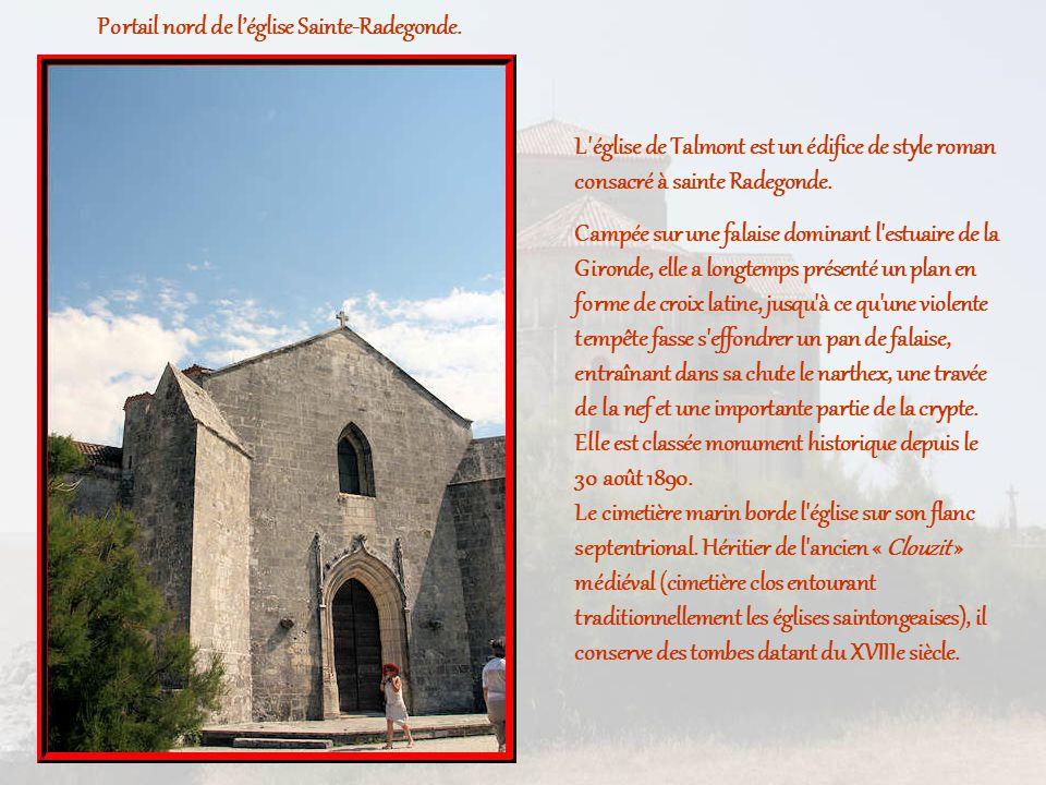 Portail nord de l'église Sainte-Radegonde.