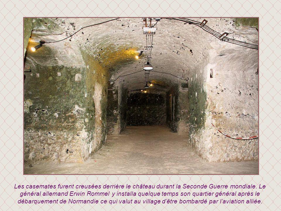 Les casemates furent creusées derrière le château durant la Seconde Guerre mondiale.