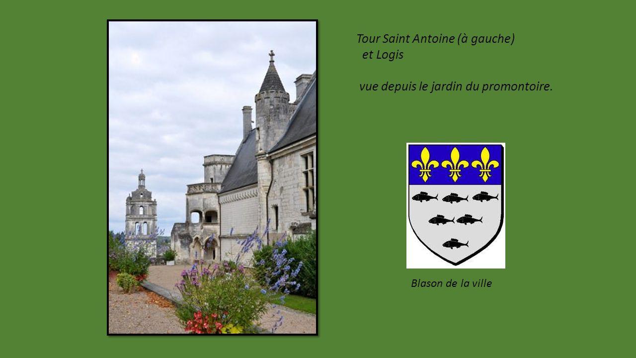 Tour Saint Antoine (à gauche) et Logis