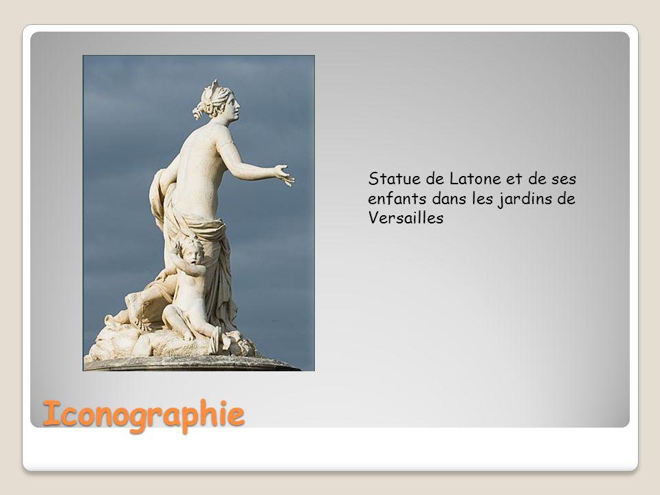 Statue de Latone et de ses enfants dans les jardins de Versailles