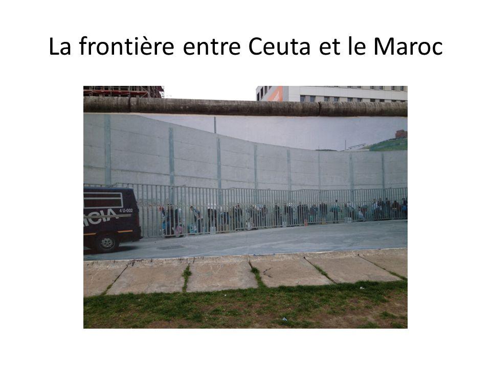 La frontière entre Ceuta et le Maroc