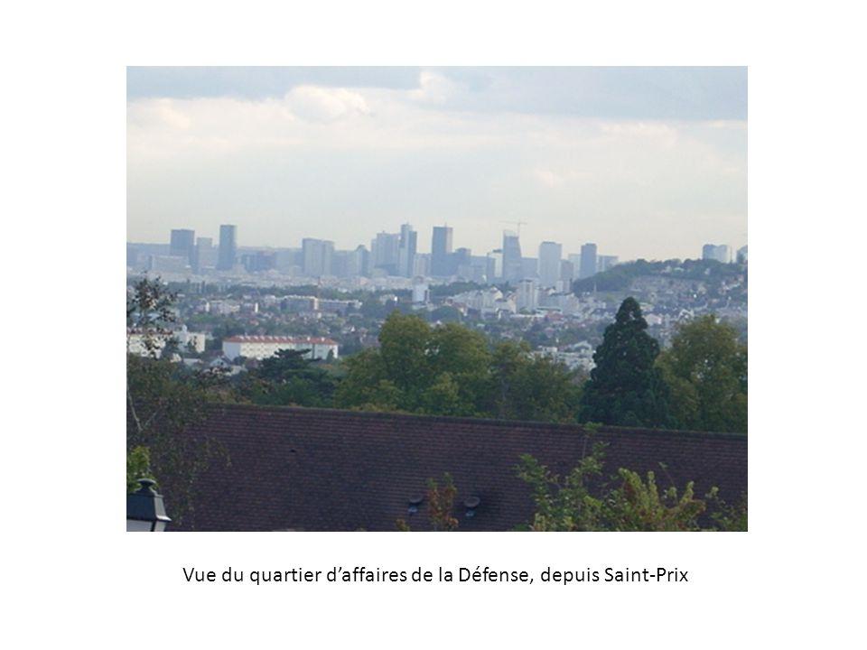 Vue du quartier d'affaires de la Défense, depuis Saint-Prix