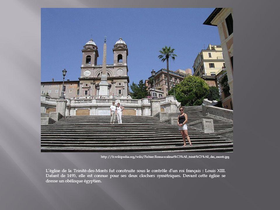 http://fr.wikipedia.org/wiki/Fichier:Roma-scalinat%C3%A0_trinit%C3%A0_dei_monti.jpg