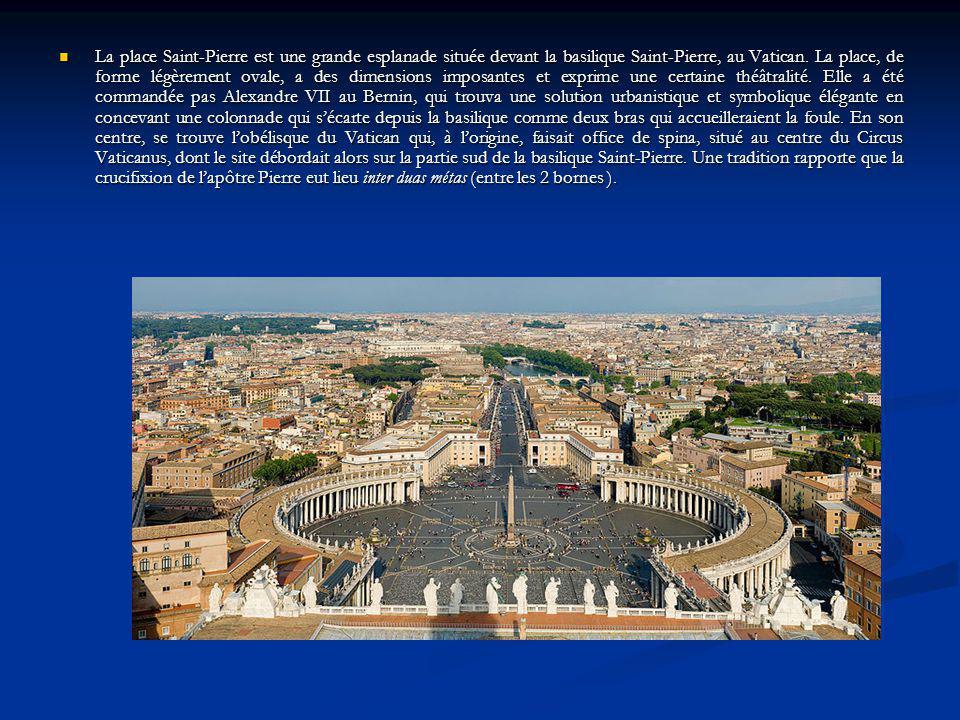 La place Saint-Pierre est une grande esplanade située devant la basilique Saint-Pierre, au Vatican.