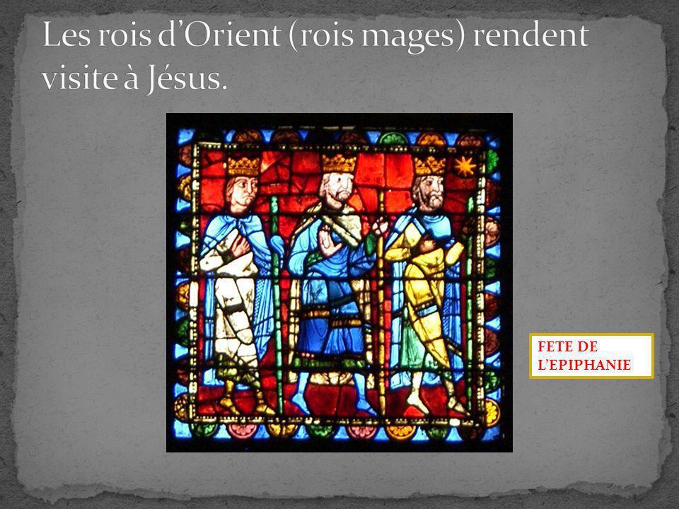 Les rois d'Orient (rois mages) rendent visite à Jésus.